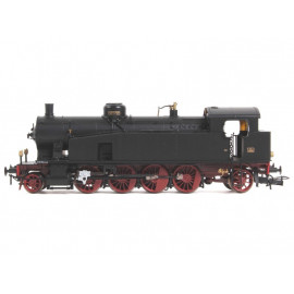 Locomotiva a vapore Gr.940 044 con fanali elettrici